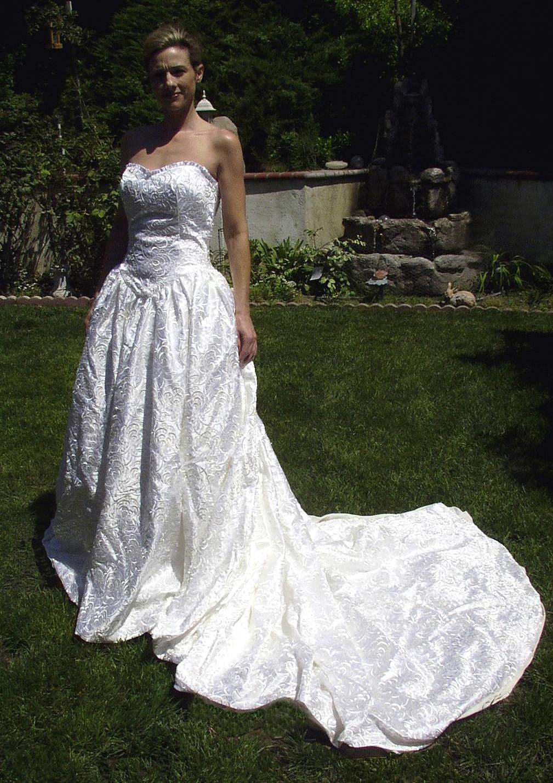 Berta Wedding Dresses Pre-Owned Online